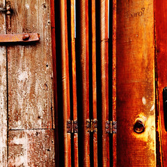 brown-archi-europe-building-wood-bulgaria-tryavna-302-square-sig (Touma) Tags: europe architecture urban color bulgaria bulgarie holiday vacation brown touma toumay art tryavna   triavna building door wood