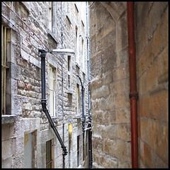 passage (foto.phrend) Tags: alley edinburgh square fujifilm urban urbanfragment passage