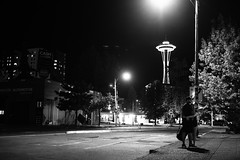 0812 Couple hugs in front of Space Needle in Seattle (movies05) Tags: bw project365 seattle spaceneedle washington architecture blackandwhite building city couple cute dark hugging iconic night street structure