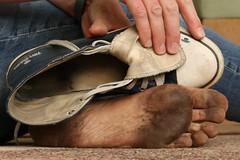 dirty feet - indoor 577 (dirtyfeet6811) Tags: feet soles barefoot chucks dirtyfeet dirtysole dirtychuck