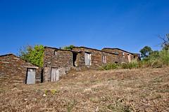 Pardieiros - Arganil (JOAO DE BARROS) Tags: barros joo pardieiros arganil house architecture old village portugal schist
