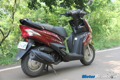 2012-Yamaha-Ray-22