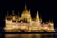 Hungarian parliament building (Gerwin Filius) Tags: building night hungary nightshot nacht budapest parliament gebouw hungarian boedapest hongarije canon70200mm canonef70200mmf4lisusm parlementsgebouw canon7d