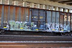 DULCE, SMASH. (NTHESTREETS) Tags: streetart art train graffiti orlando smash florida graf railway trains vandalism boxes spraypaint boxcar graff aerosol freight boxcars dulce vandals freights