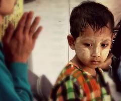 Myanmar - Febbraio 2012 (anton.it) Tags: yangon myanmar viaggio bambino birmania canong10 antonit mygearandme flickrstruereflectionlevel1