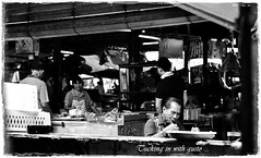 Breakfast @ The Market (J2Kfm) Tags: bw photography market streetfood ipoh perak pasirputeh