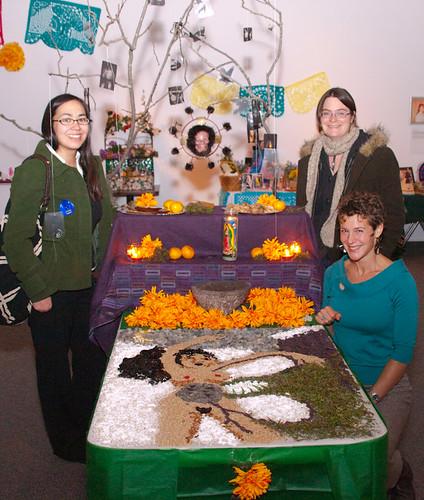 Día de los muertos 2010: Suicide in Alaska altar
