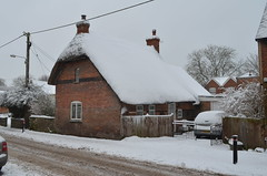 Snow covered thatched cottage on Brook street, Great Bedwyn (NotSoCleverley) Tags: uk winter england snow cold ice great freeze icicle snowing brookstreet wiltshire blizzard thatched thatchedcottage greatbedwyn frezze bedwyn chisbury littlebedwyn nikond5100