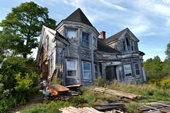 Falling Down House (Mycophagia) Tags: house