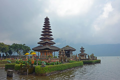 Bali - Pura Ulun Danu Bratan Water Temple (cpcmollet) Tags: indonesia asia bali templo island temple flowers lake lago hindu balinese spirit scenic beauty architecture arquitectura sky nature historic exotic cloud religion awesome