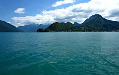 Lake Annecy (AmyEAnderson) Tags: outdoor annecy lake water mountains mountainrange depth scenic landscape horizon clear sky france europe rhonealps hautesavoie alps pristine unspoiled