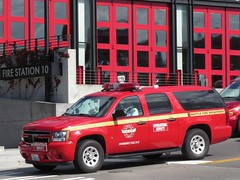 Seattle Fire Department Operations Deputy (zargoman) Tags: sfd seattle fire department emergency response truck downtown chevy chevrolet command battalion suv