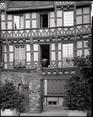 Maison des deux amis (Philippe Torterotot) Tags: 4x5 chamonix45n2 film argentique analog fomapan100 grandformat largeformat architecture ville lemans sarthe france francia frankreich