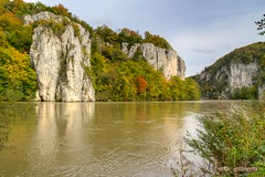 Donaudurchbruch bei Weltenburg im Herbst (explored) (burnett0305 - Thanks for over 175.000 views!) Tags: fall water river wasser herbst danube donau weltenburg donaudurchbruch thegalaxy flus mygearandme mygearandmepremium mygearandmebronze mygearandmesilver mygearandmegold mygearandmeplatinum mygearandmediamond rememberthatmomentlevel4 rememberthatmomentlevel1 rememberthatmomentlevel2 rememberthatmomentlevel3 rememberthatmomentlevel7 rememberthatmomentlevel9 rememberthatmomentlevel5 rememberthatmomentlevel6 rememberthatmomentlevel8