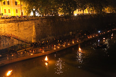 The crowd braves the 65 stairs to see WaterFire Roma from River Level