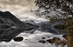 Autumn at Ullswater. (Lindi m) Tags: reflections landscape lakes ullswater greatphotographers ringexcellence dblringexcellence