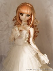 Autumn Bride (Miss Nekopon) Tags: wedding bride saber dollfie volks typemoon dollfiedream saberalter