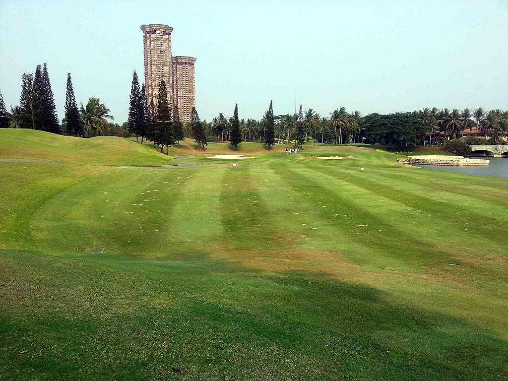 karawaci girls Imperial klub golf is located in the extraordinary new town development of lippo karawaci only 25 minutes from downtown jakarta and 35 minutes from jakarta's international airport calendar of tournament.
