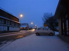 light snowfall on saturday morning (BZK2011) Tags: morning saturday snowfall bundesstrase ricohcx6