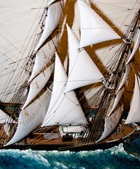 CU493 Dynamic Sailing Ship Model (listentoreason) Tags: usa philadelphia america canon model unitedstates pennsylvania favorites places pennslanding scalemodel ef28135mmf3556isusm score30 independenceseaportmuseum philadelphiamaritimemuseum