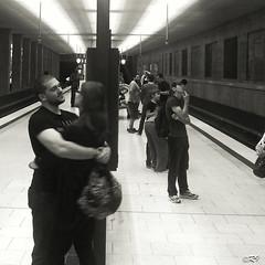 Perplex LOVE (Ghoul-Seine) Tags: ramjanally ghoulseine germany allemagne sub ubahn street streetshot streetphotography black white blackandwhite noir blanc noiretblanc love couple monochrome