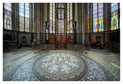 Cologne Cathedral, floor and stained glass windows (leo.roos) Tags: floor stainedglasswindows glasinloodramen colognecathedral klnerdom domvankeulen september2016 a7rii voigtlanderheliarhyperwide10mmf56e darosa leoroos sonyflickraward