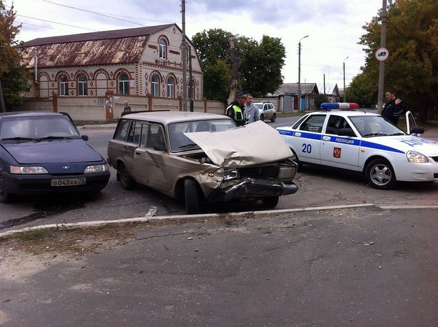 Нетрезвый шофёр изУльяновска устроил вСызране гонки сполицией иДТП