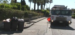 PSDS truck 710 (Scott (tm242)) Tags: california trash truck garbage tipper side disposal palm springs environment service manual waste loader recycling hopper packer octo msl octagonal whitegmc amrep wxll