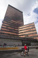 Paseando por el centro financiero (borjagomez) Tags: torre edificio centro banco bilbao gran bbva bizkaia euskadi vía rascacielos oficinas financiero abando