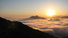 Atardecer sobre la Baha de Portmn (Javier Noguera) Tags: atardecer nubes baha portmn