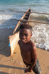 Enfant (hubertguyon) Tags: africa portrait nature island child canoe enfant madagascar pirogue afrique le