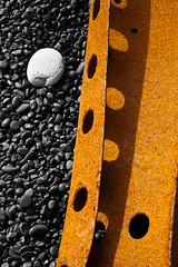 naufragi zen (_perSona_) Tags: black beach iceland islandia rusty playa pebble shipwreck negra platja oxidado naufragio snaefellsnes guijarro djupalon djupalonssandur rovellat naufragi cdol