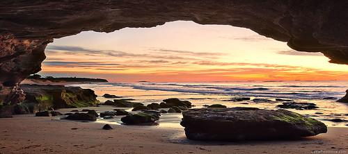 Caves Beach Bakehouse | Shop 6 64 Caves Beach Road, Caves Beach, New South Wales 2281 | +61 2 4971 0707