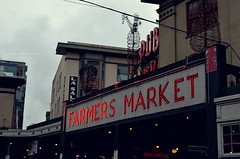 Pike Place (alycollins) Tags: seattle washington place pikeplacemarket pike farmersmarker publicmarker
