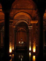 basilica cistern (Fernando Stankuns) Tags: turkey photo asia europa europe basilica türkiye istanbul fernando fotografia istambul turquia turkish cistern basílica ásia cisterna bósforo yerebatansarnıcı mármara stankuns