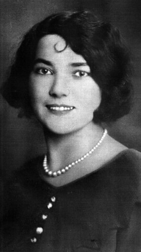 Elizabeth D'Arcy, Gorbals 1926