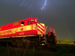 Thunder, lightening and a rainbow (Slow Freight) Tags: sunset severe storm rainbow lightening sd402 wisconsinsouthern 4078 wsor