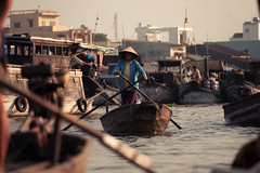 (Stxtch) Tags: vietnam asia travel market boats river sun rise rowing