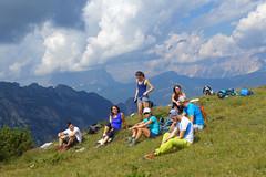 sosta sulle Balanzole (Tabboz) Tags: montagna dolomiti sentieri cima vetta trekking boschi mugo rifugio panorama valle roccia nuvole