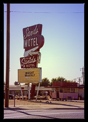 SANDS (akahawkeyefan) Tags: sands motel davemeyer desolate sign fresno