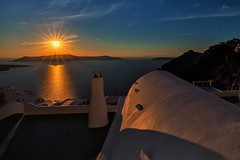 IMG_7627 (Arne J Dahl) Tags: caldera solnedgang santorini afspejling water reflections sunset canon5dmarkll grkenland neakameni canon vand fira cyclades sun view volcano greece outdoor seaview