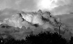 DSC_0246  ciel nuageux (Le To) Tags: extrieur nuage noiretblanc nerosubianco bw monochrome
