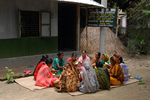 Group learning in Bangladesh. Photo by Khaled Sattar, 2007.
