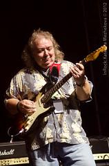Bernie Marsden (Gingertail) Tags: summer music france festival rock europe guitar live sunday gig jam parrain waynekramer robertgordon virtuoso johnpauljones chrisspedding stjulienengenevois berniemarsden finaljam guitareenscene lastfm:event=3232092