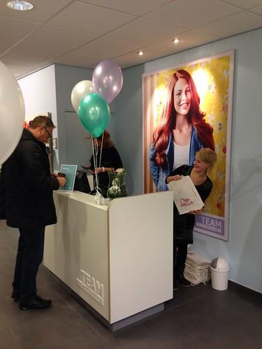 Tafeldecoratie 3ballonnen Team Kapsalon Hoogvliet