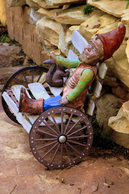 Rock City's Gnome Valley #8: Relaxing on a bench