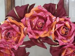 DSC04636 (middy arts) Tags: rosas lembrancinhas guirlandas guirlandasdenatal guirlandasderosas guirlandasparanatal guirlandasespeciaisempapeldeparede