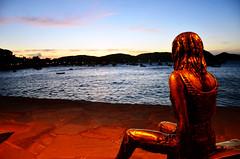 pr do sol na Orla Bardot (Rodrigo_Soldon) Tags: ocean sunset brazil panorama cloud seascape sol praia beach nature rain rio brasil cl