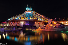 Space Mountain (Yvonne Oelsner) Tags: disneylandparis spacemountain disney achterbahn rollercoaster longexposure langzeitbelichtung nightshot reflection themepark freizeitpark water illumination color contrast canonefs1018 weitwinkel wideangel