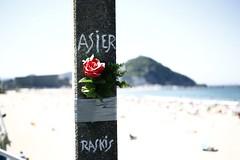 Asier Raskis (sokolskij) Tags: asierraskis asierelcoroiribe surf zurriola zurriolabeach donostia sansebastian 40mm canon 1d4 1dmk4 1dmarkiv eos